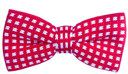 Rød strikket butterfly med hvide firkanter